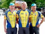 Jürgen, Rainer und Bernd mit stolzer Brust